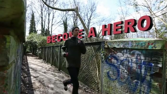 Zombies, Run! faz você correr de verdade para fugir de zumbis virtuais (Foto: Reprodução/YouTube)
