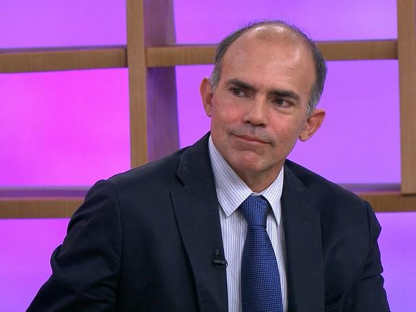 Lucio Pacheco esclarece as dúvidas do público sobre o tema (Foto: Globo)