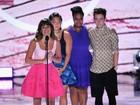 Lea Michele dedica prêmio a Cory Monteith: 'Ele vai ficar para sempre'