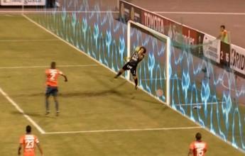 Analisador tático: cabeçada de Kardec ultrapassa linha do gol na Libertadores