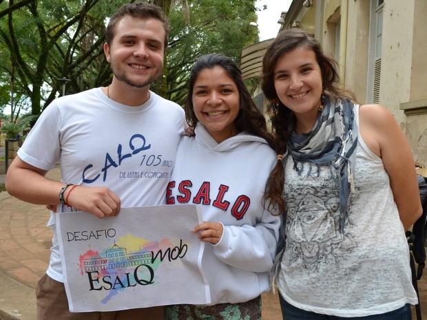 Laion Paizan, Maryane Andrade e Julia Rossi participam do desafio Esalq Mob em Piracicaba (Foto: Claudia Assencio/G1)