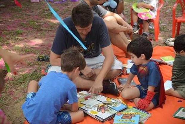 Toda a família é convidada a desfrutar de um espaço na praça  (Foto: Guilherme Durão)