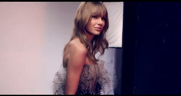 Taylor Swift posa para revista (Foto: Reprodução)