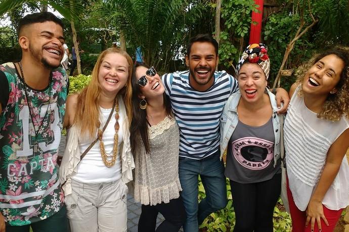 A equipe unida: Luan, Cíntia, Luiza, Pablo, Andréa e Jessica (Foto: TV Bahia)