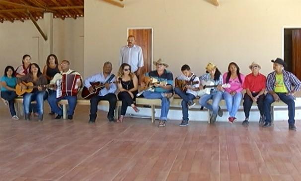 Cantores de Janaúba se preparam para o Festival Viola dos Gerais. (Foto: Reprodução / Inter TV )