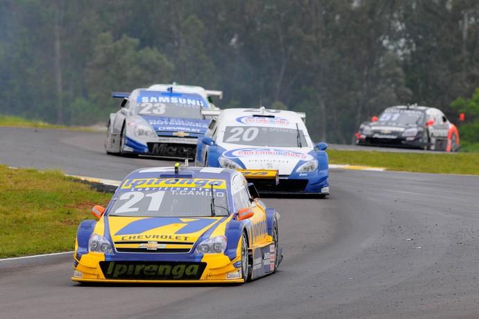 Stock Car: antes do abandono, Thiago Camilo acelera em Santa Cruz do Sul (Foto: Fernanda Freixosa / Stock Car)