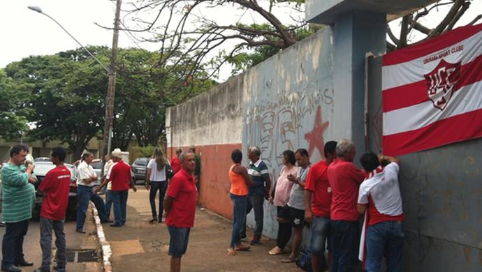 torcedores Uberaba Sport USC mobilização estádio Boulanger Pucci (Foto: Alex Rocha/ GloboEsporte.com)