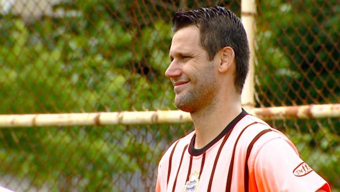 Melinho meia União Barbarense (Foto: Márcio de Campos / EPTV)