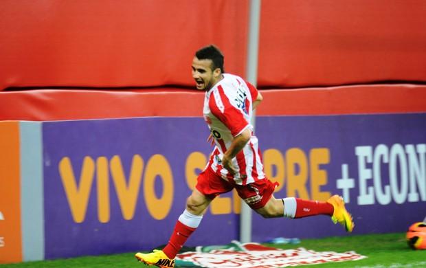 Maikon Leite comemora gol  (Foto: Aldo Carneiro / Pernambuco Press)