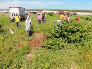 Polícia encontrou corpo do adolescente após receber uma informação anônima  (Foto: Marcelino Neto/G1)