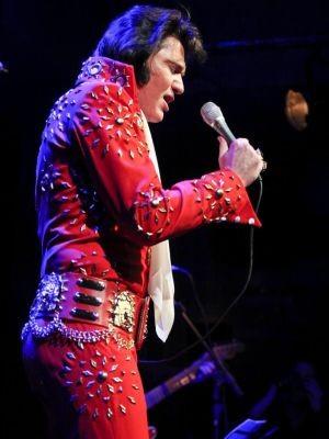 Edson Galhardi é cover de Elvis Presley há mais de 30 anos (Foto: Alameda Quality Center/Divulgação)