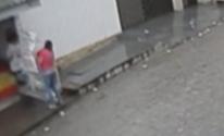 Câmeras flagram suposto estuprador no Bairro Petrópolis, em Caruaru (Reprodução/ TV Asa Branca)