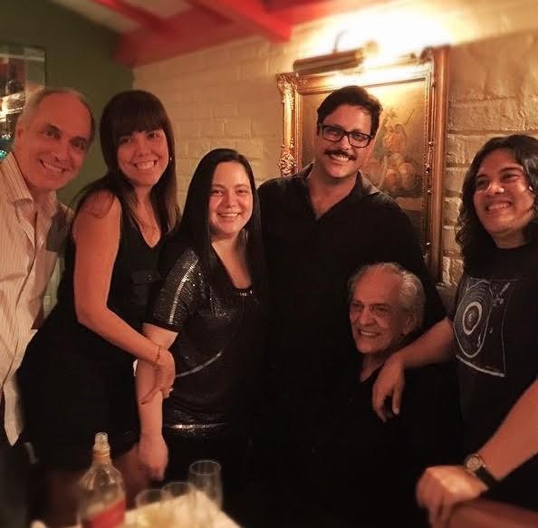 Alexandre Barbalho, Luciane, Luanna, Lúcio Mauro Filho e Gilberto Salles com o pai (Foto: Arquivo pessoal)