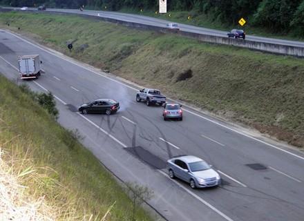 Acidente de carro de Osmar e Marcela foi gravado em rodovia de São Paulo
