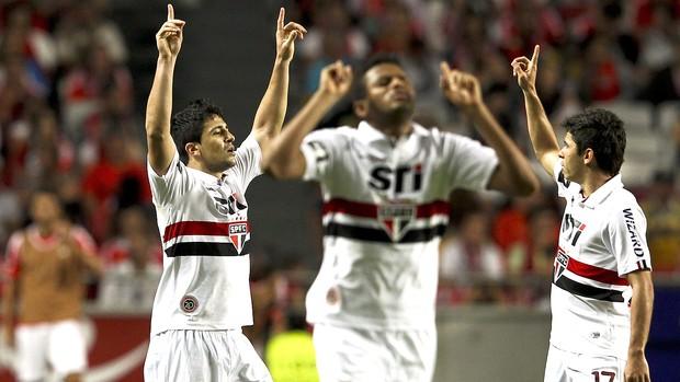 Aloisio osvaldo são paulo gol benfica eusebio cup (Foto: Agência EFE)