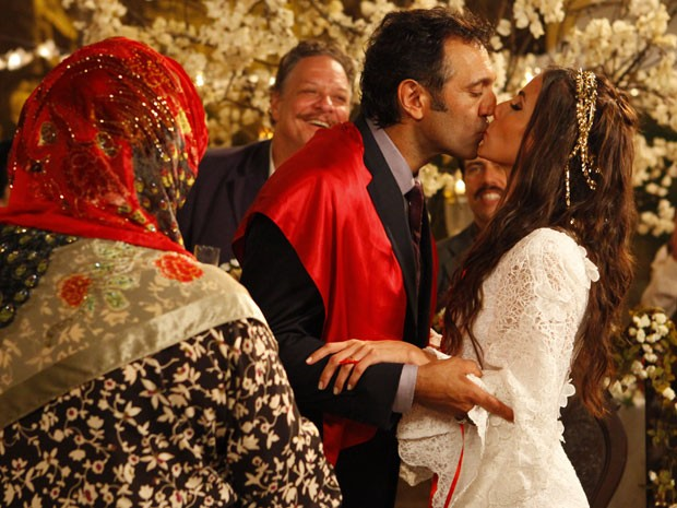 Salve Jorge – Zyah e Ayla se casam e trocam juras eternas de amor