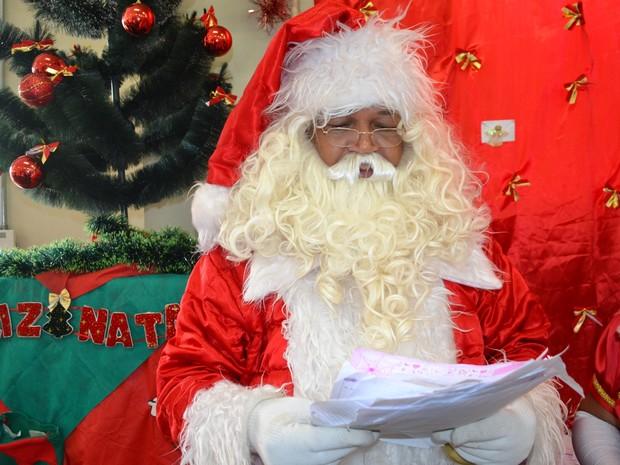 Papai Noel disse que gosta de receber cartas manuscritas das crianças (Foto: Maiara Barbosa/ G1)