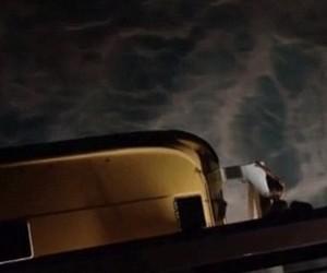 Bernardo teria caído no bote de emergência e depois no mar (Foto: Reprodução/ YouTube)