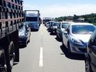 Fim de tarde tem trânsito intenso na sexta do feriadão de Réveillon
