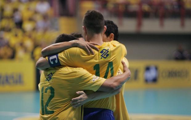 Seleção goleia Bélgica em amistoso de Futsal, em Fortaleza (Foto: Bruno Gomes/Agência Diário)