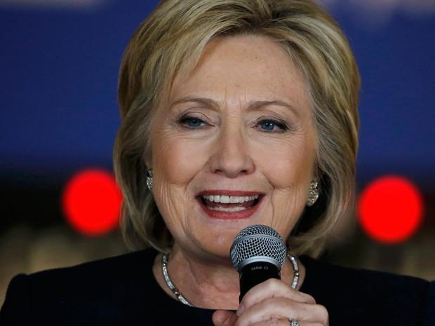 Hillary Clinton durante evento de campanha em Adel, Iowa, no dia 27 de janeiro  (Foto: Reuters/Jim Bourg)