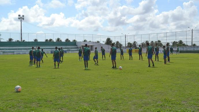 Alecrim - treino - Ninho do Periquito (Foto: Jocaff Souza/GloboEsporte.com)