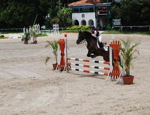Giovanna Lara Freitas é uma das melhores saltadoras na sua categoria (Foto: Divulgação / Prefeitura de Cubatão)