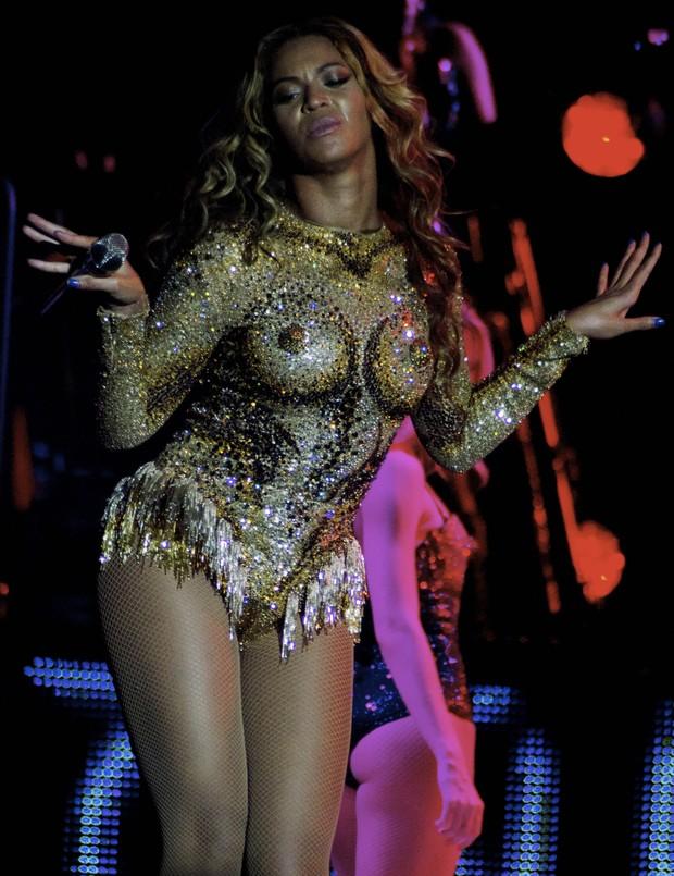 Beyoncé estreia a nova turnê 'Mrs. Carter' em Belgrado, na Sérvia (Foto: Splash News/ Agência)