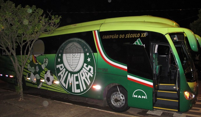 Palmeiras chegada Pudentão (Foto: Marcelo Hazan)