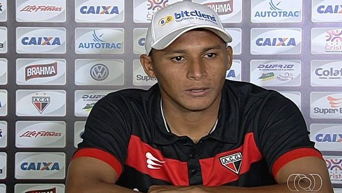 Pedro Bambu, volante do Atlético-GO (Foto: Reprodução/TV Anhanguera)