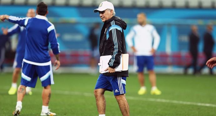 Alejandro Sabella no treino da Argentina  (Foto: Marcos Ribolli / Globoesporte.com)