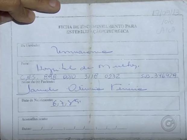 Bordadeira espera passar por procedimento há 3 anos  (Foto: Reprodução / TV TEM )