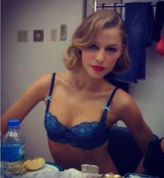 A modelo e atriz Rhaísa Batista estará na novela Verdades Secretas (Foto: Reprodução do Instagram )