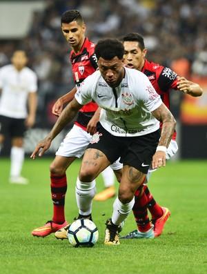 Corinthians x Atlético-GO Kazim (Foto: Marcos Ribolli)