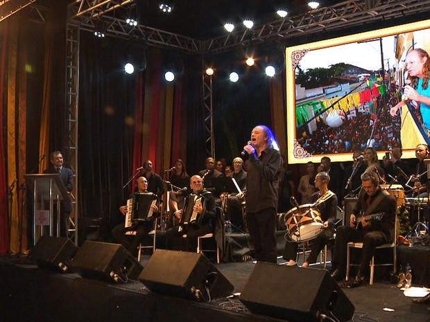 Alceu Valença cantou e foi um dos homenageados no Troféu Gonzagão (Foto: Reprodução/TV Paraíba)
