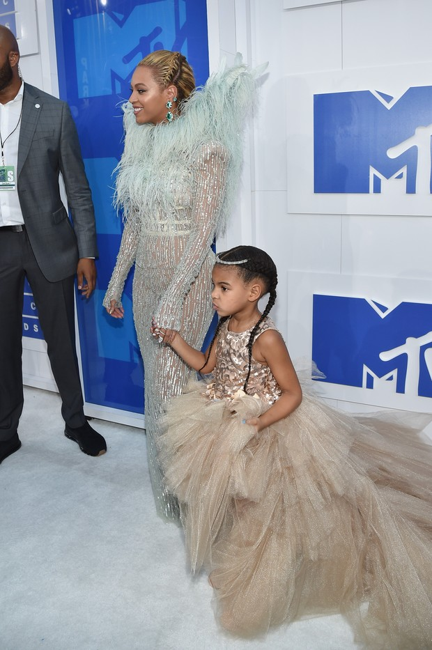 Beyonce e a filha Blue Ivy Carter no VMA 2016 (Foto: Getty Image)