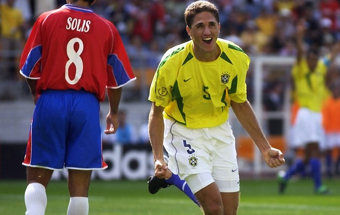 Edmilson brasil costa rica copa do mundo 2002 (Foto: Agência Getty Images)