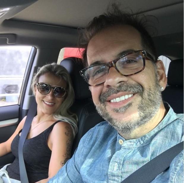 Leandro Hassum com a mulher, Karina Gomes (Foto: Reprodução/Instagram)