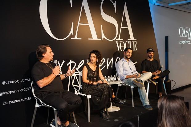 Tem moda também no Casa Vogue Experience: a editora Beta Germano conversa com André Carvalhal, Itamar Cechetto e Philippe Lisbona sobre sustentabilidade em moda e beleza (Foto: David Mazzo)