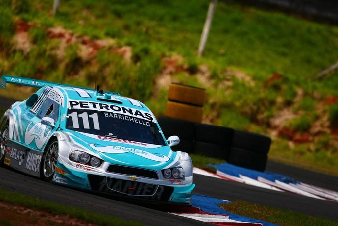Carro de Rubens Barrichello em Tarumã também tem bigode por Novembro Azul (Foto: Carsten Horst / Divulgação)