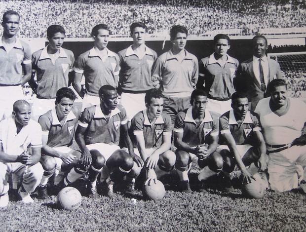 Seleção Mineira que participou da primeira partida do Mineirão, Fábio, ex-goleiro do Cruzeiro (Foto: Reprodução / arquivo pessoal Fábio Medeiros)