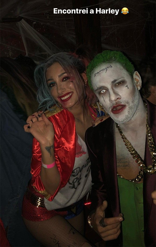 Neymar posa com beldade fantasiada de Arlequina em festa (Foto: Reprodução/Instagram)