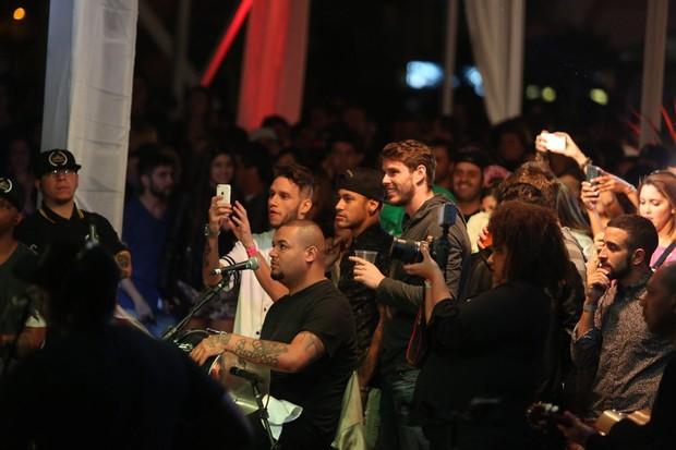 Show de Thiaguinho tem presença de Neymar (Foto: Marcos Samerson / We Love Photo)