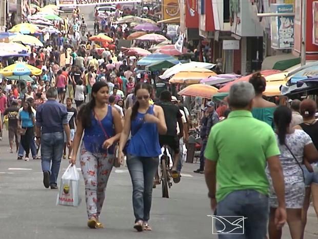 Centro comercial de Santa Inês é interditado para o trânsito de veículos (Foto: Reprodução/TV Mirante)