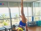 Carol Nakamura mostra força e equilíbrio em postura de acroyoga