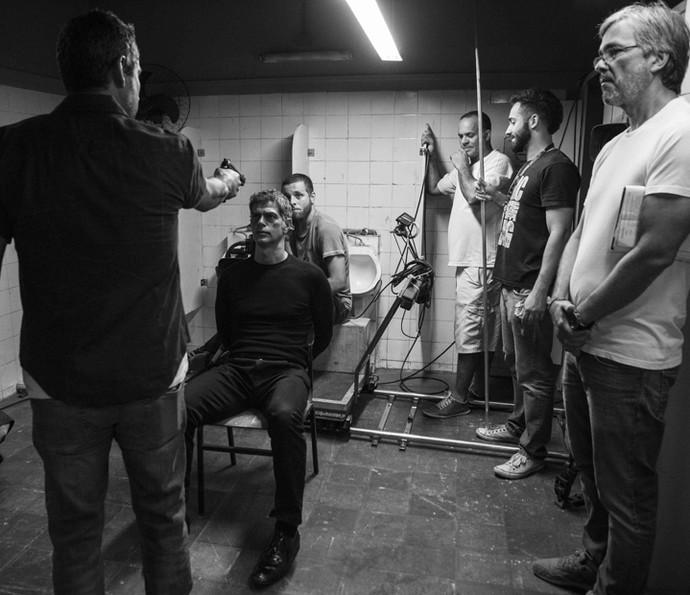 Eduardo Moscovis e Alexandre Nero ensaiam cena da morte de Orlando (Foto: Inácio Moraes/ Gshow)
