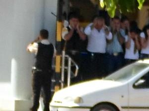 Criminosos realizaram quatro reféns no local (Foto: Jaru Online/Divulgação)
