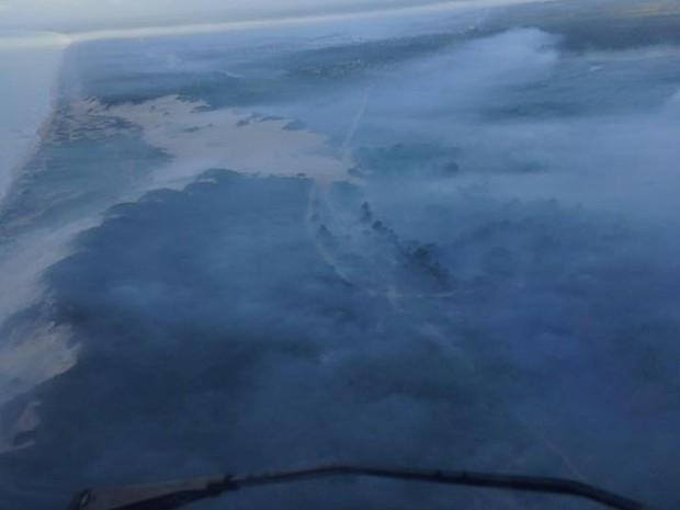 Núcleo de Operações e Transporte Aéreo (NOTAer) registra incêndio em Itaúnas (Foto: Divulgação/ NOTAer)