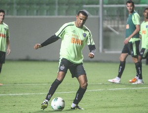 Serginho cobra pênaltis no Independência (Foto: Bruno Cantini / Site Oficial do Atlético-MG)