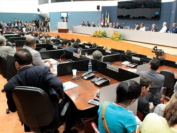 Solenidade de abertura dos trabalhos na Câmara Municipal de Manaus em 2013 (Foto: Adneison Severiano/G1 AM)